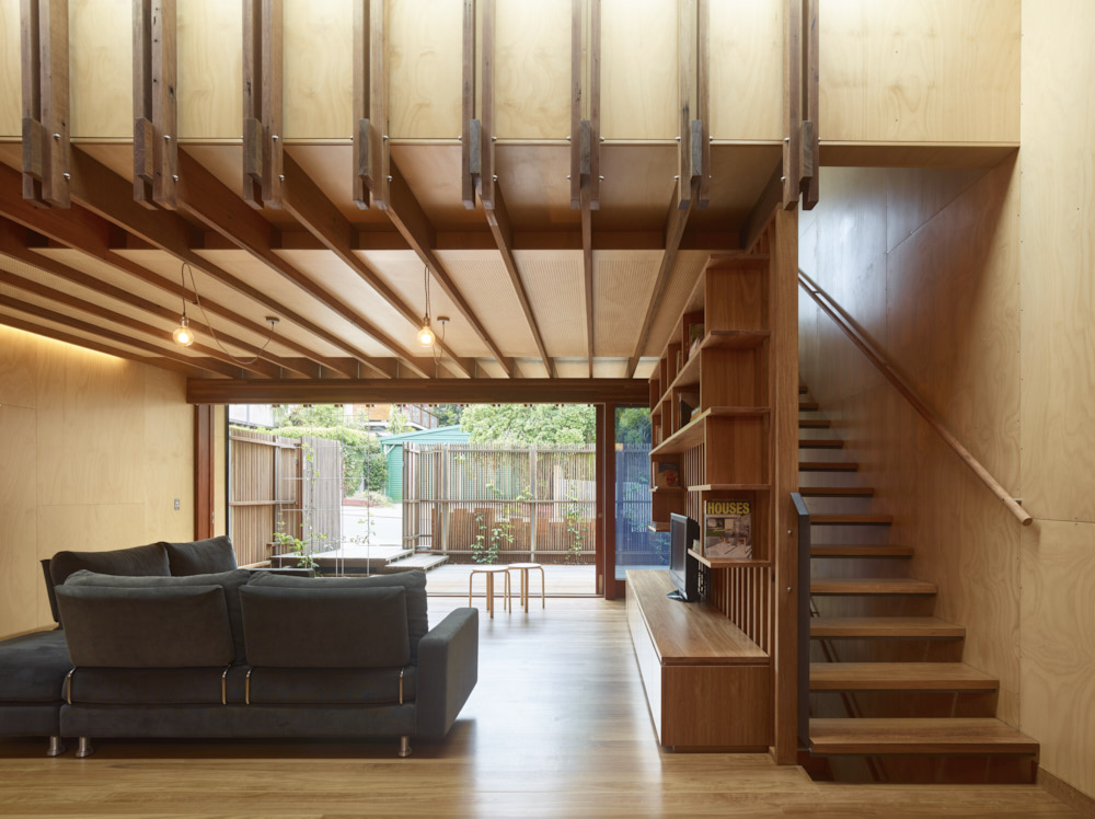 A modern take on a timber workers cottage fits in to - Residence rosalie richard kirk architects ...