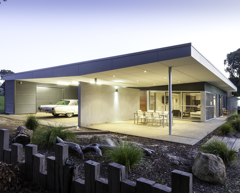 White Shack by mishack (via Lunchbox Architect)