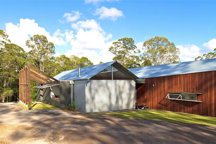 Whyatt House: Australian Bush Style Home Built From Prefabricated Shed