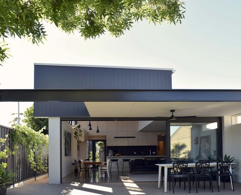 Wild House by Jon Lowe Architect (via Lunchbox Architect)